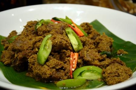 gado: Lamb curry at buffet