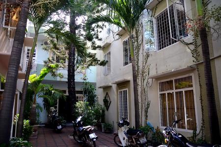 cul de sac: Western houses in quiet cul de sac in Danang Vietnam