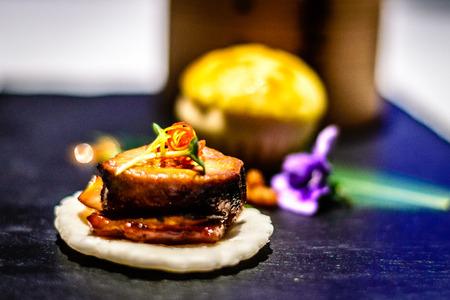 Appetiser Combination Steamed crab roe dumpling Baked barbecued US black pork bun Barbecued duck liver and pork skewe
