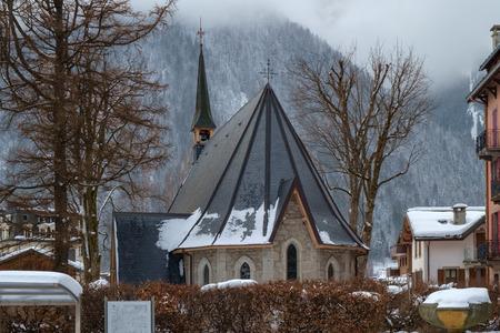 The Protestant Church, Chamonix, France 版權商用圖片