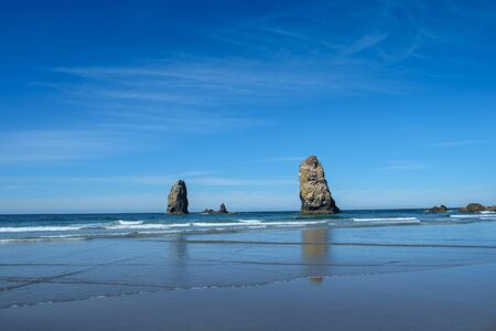 Sea Stacks, Cannon Beach, Oregon, Pacific Northwest, USA. Imagens