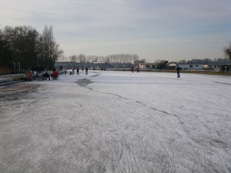 Winter in Holland: ice skating