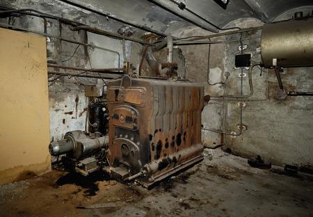 Habitación en el sótano de una caldera Foto de archivo - 45358271