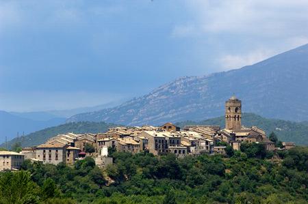 Aínsa, Pirineos, Huesca, Aragón, España Foto de archivo - 45455093