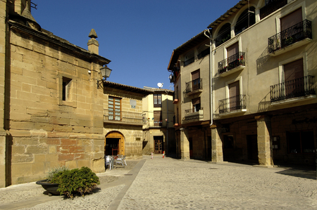 rioja: Plaza of Spain, Briones, La Rioja, Spain