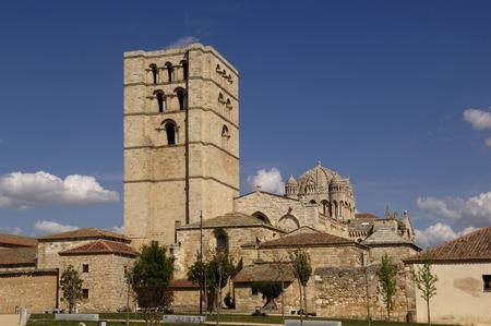 castilla y leon: Cathedral of Zamara, Castilla y Leon, Spain Editorial