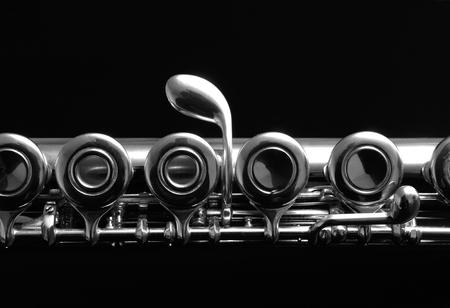 Close-up details van de klarinet. Zwart-wit fotografie.