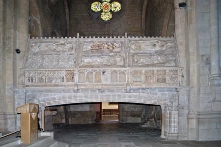 tumbas: tumbas reales del Monasterio de Poblet, en la provincia de Tarragona, Catalu�a, Espa�a