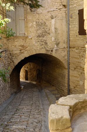 gordes: street of Gordes,Provenza-Alpes-Costa Azul, France Stock Photo