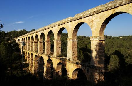aqueduct: Pont del Dimoni, Devils Bridge, Roman aqueduct in Tarragona, Spian