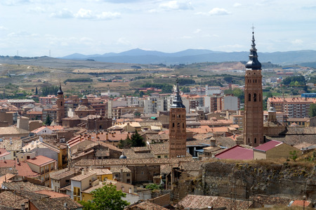 iglesia: vista de Calatayud, provincia de Zaragoza, Espa�a Foto de archivo