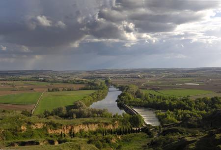 zamora: River Duero in its passage through Toro, Zamora, Spain