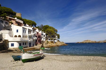 Playa de Sa Tuna en Begur, Costa Brava, Girona, Cataluña, España Foto de archivo - 57109224