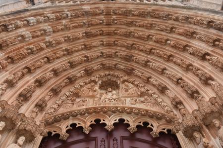 vitoria: Sculptures main entrance of the Monastery of Santa Maria Vitoria in Batalha, Centro region, Portugal Stock Photo