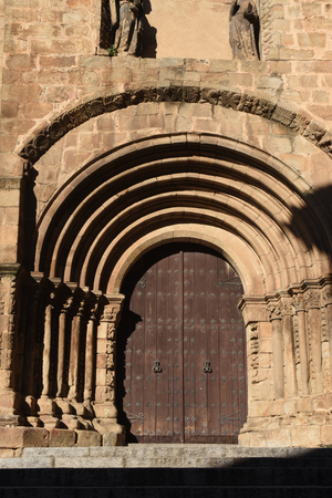 marys: Romanesque door of the Old Cathedral (aka St Marys church), Plasencia. Caceres province, Extremadura, Spain