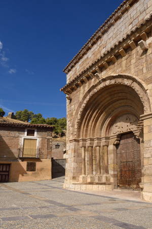 zaragoza: Romanesque portal of the church of San Miguel or San Valero (13th century), Daroca. Zaragoza province, Aragon, Spain  (13th century) Stock Photo