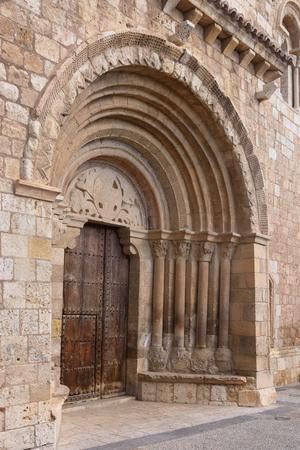 zaragoza: Detail of Romanesque portal of the church of San Miguel or San Valero (13th century), Daroca. Zaragoza province, Aragon, Spain  (13th century) Stock Photo