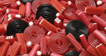 Süßholz Süßigkeiten und Mix Standard-Bild - 69978513