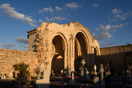apses: Apse and cemetery in the church of Santa María de la Varga, Uceda, Guadalajara province, Castilla-La Mancha,Spain Stock Photo