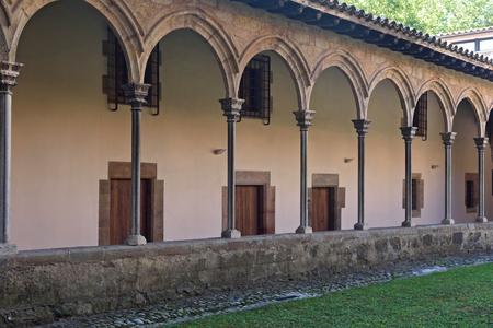 sant joan de les abadesses: Gothic Cloister of the Monastery of Sant Joan de les Abadesses, Ripolles, Girona province ,Catalonia, Spain
