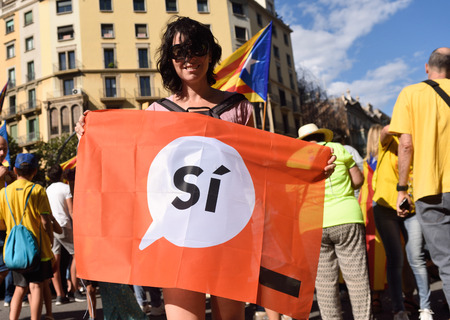politic: Protesters in the manifestation of the (SI) in Barcelona, September 11, 2017