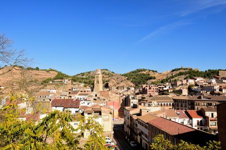 village of  Tamarite de Litera, Huesca province, Aragon, Spain Zdjęcie Seryjne - 113864764