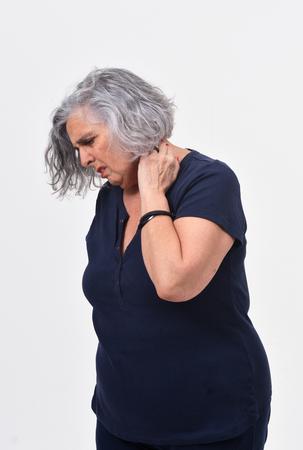 woman with pain on nape Standard-Bild - 122803096