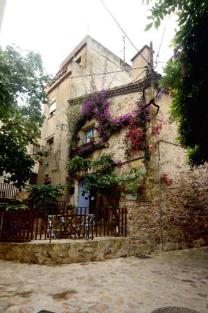 old town of Tossa de Mar, Girona province, Catalonia, Spain 版權商用圖片 - 155807266