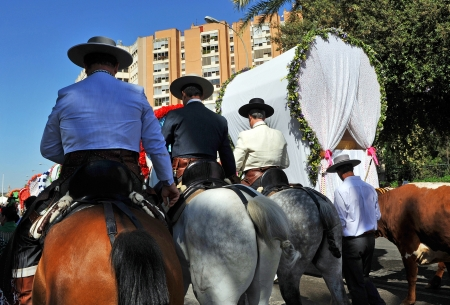 ornamentations: Hermandad del Rocio in Seville, pilgrims on horseback Editorial