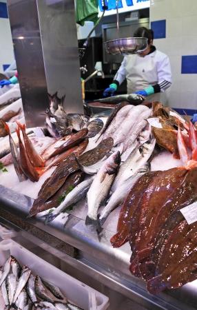 fish selling: Selling fish at the fish market
