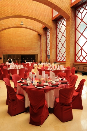 banquet facilities: Round tables prepared for a wedding banquet