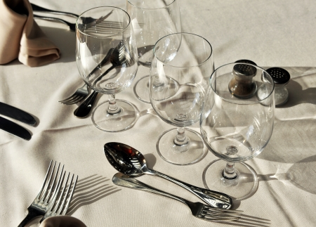 banquet facilities: Table set in a restaurant