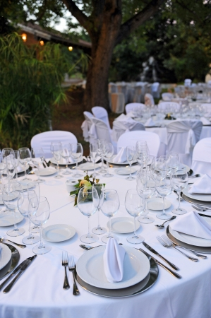 banquet facilities: Round tables prepared for a wedding banquet in the garden