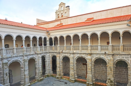 badajoz: Cloister of the monastery church of Santiago, Calera de Leon, Province of Badajoz, Extremadura, Spain Stock Photo