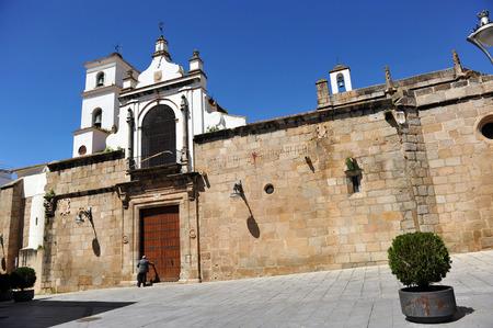 Cathédrale de Mérida, porte de Santa Maria, dans la province de Badajoz, Extremadura, Espagne Banque d'images - 26880930