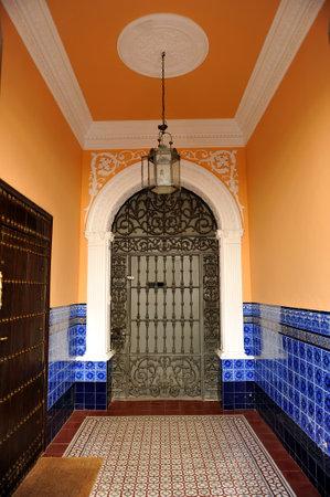 herrenhaus: Flur eines andalusischen Herrenhaus, in der Provinz Carmona, Sevilla, Andalusien, Spanien Editorial