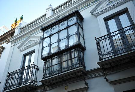 herrenhaus: Balkon eines typischen Herrenhaus, Triana, Sevilla, Andalusien, Spanien