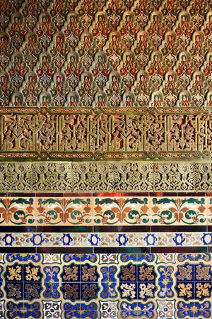herrenhaus: Herrenhaus, arabischen Stil Dekoration, Hintergrund, Buchse auf antiken Fliesen, Spanien