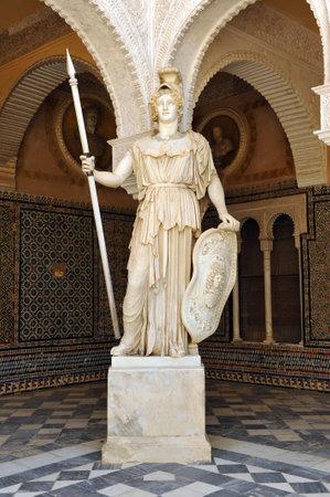 escultura romana: Atenea, la mitolog�a griega, la escultura romana, Palacio de Pilatos, Sevilla, Andaluc�a, Espa�a