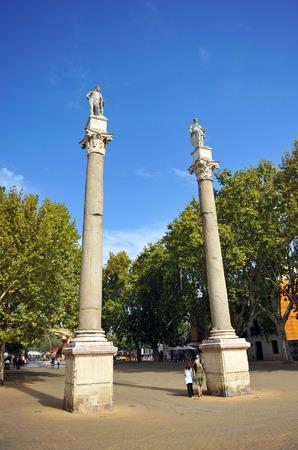 columnas romanas: Columnas romanas, Alameda de H�rcules, a la ciudad de Sevilla, Andaluc�a, Espa�a