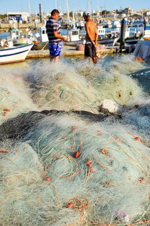 redes de pesca: Puerto pesquero de Chipiona, redes de pesca, en la provincia de C�diz, Espa�a