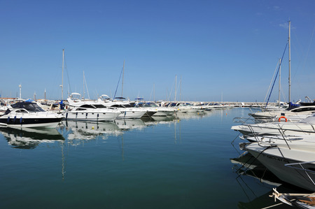 cuccette: Marbella, sports boats in the marina, Costa del Sol, Malaga, Spain Archivio Fotografico