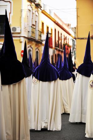 fraternidad: Procesi�n religiosa de la Semana Santa de Sevilla, hermandad de la esperanza, Andaluc�a, Espa�a