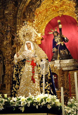 holy week in seville: Virgin of Hope and Jesus Christ with the cross, Triana, Holy Week in Seville, Andalusia, Spain Editorial