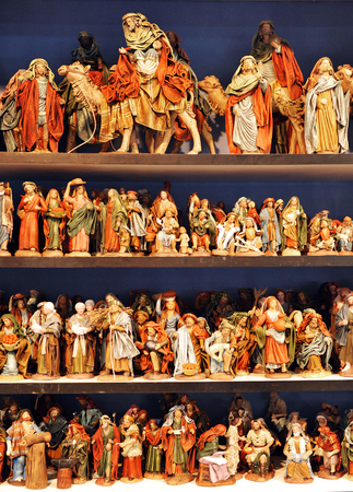 drover: Small figures of Belen, Christmas market