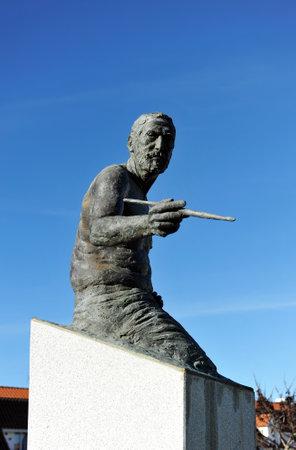 golden age: Sculpture tribute to Zurbaran, Spanish Golden Age painter, Fuente de Cantos, Badajoz, Spain Editorial