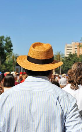 chapeau paille: L'homme au chapeau de paille