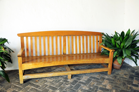 lordly: Old wooden bench