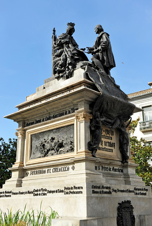 queen isabella: Queen Isabella the Catholic and Christopher Columbus, Square in Granada, Andalusia, Spain Stock Photo