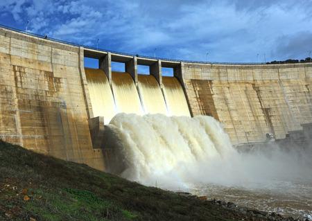 floodgates: Closeup of the Montoro reservoir, Ciudad Real province, Castilla la Mancha, Spain